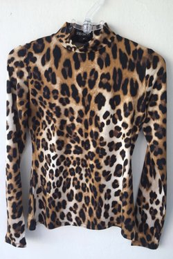Blusa viscolycra básica estampada animal print