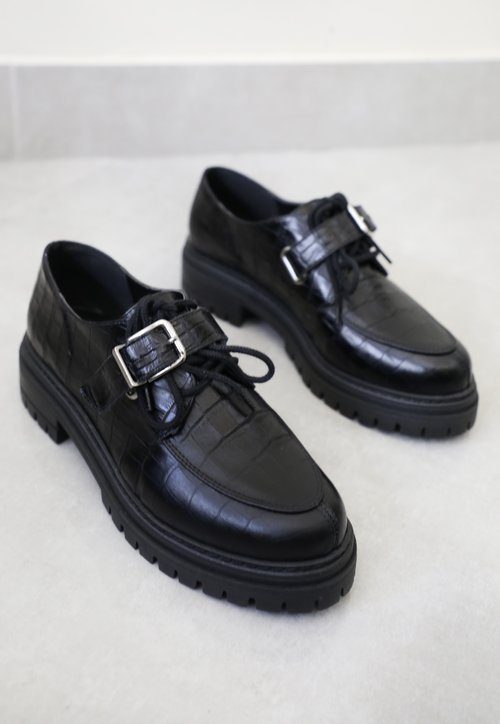 MORGANA oxford c/ fivela - croco preto
