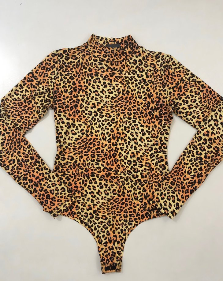 Body com golinha manga longa animal print
