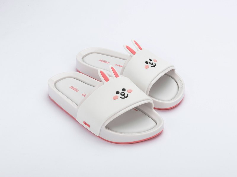 Melissa Beach Slide + Line Friends