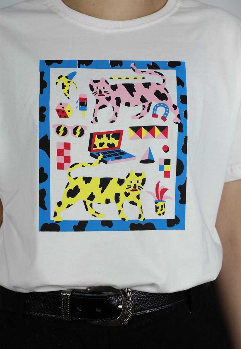 FELINE VIBES t-shirt - off white (unissex)