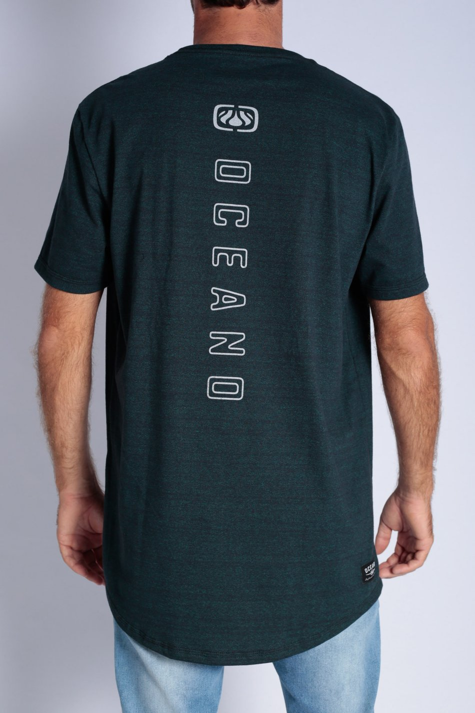 CAMISETA OCEANO LONG FIT LOGO VERTICAL KIBE