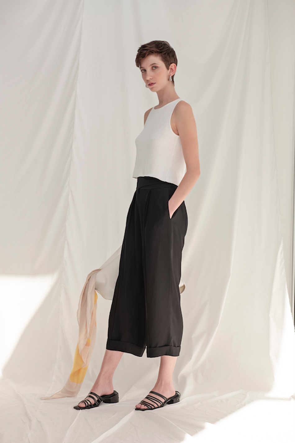 REGATA CROPPED ANNA | ROCIO CANVAS