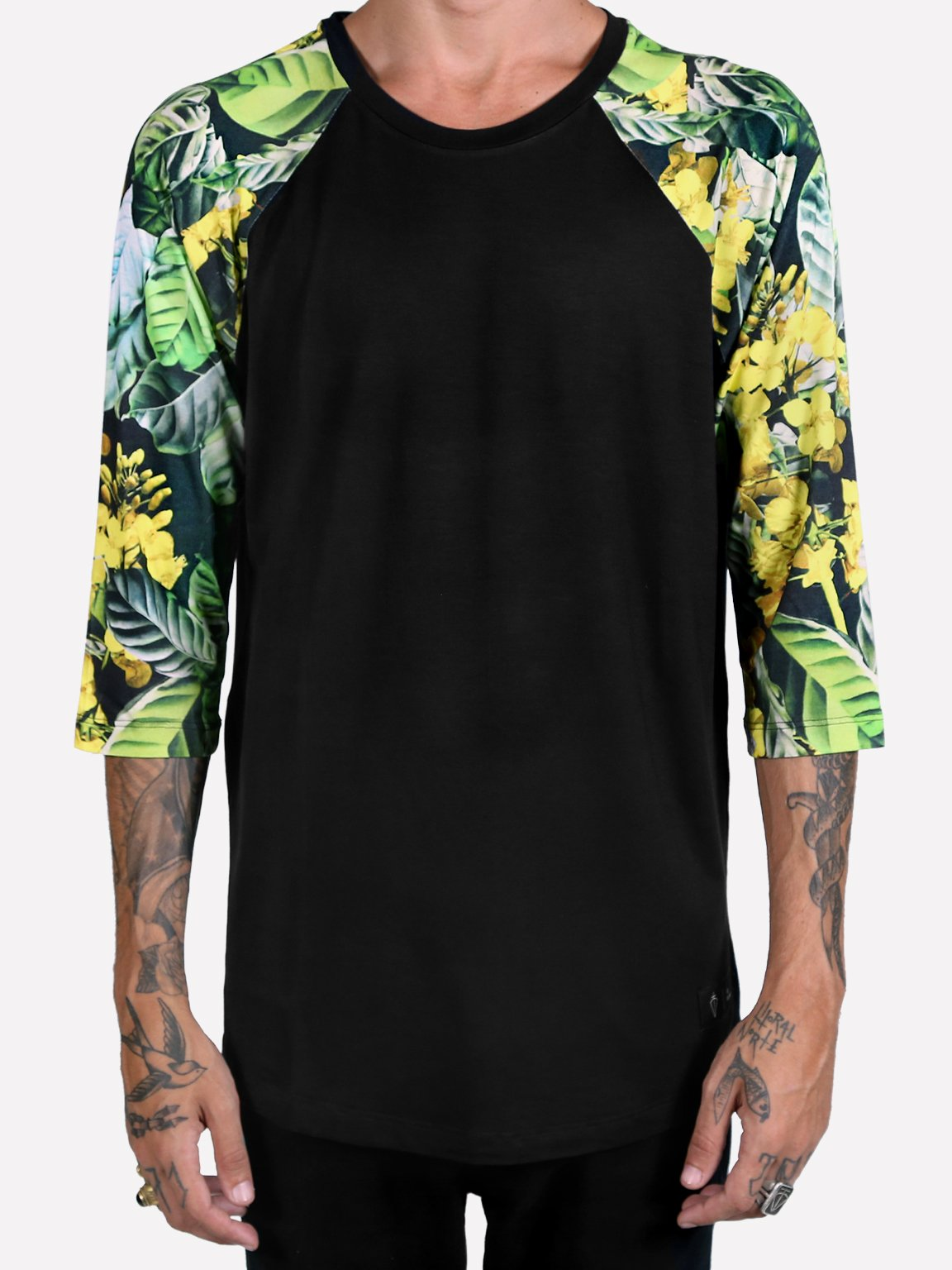Foto do Camiseta Oliv Raglan Dark Leaves