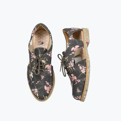 Mariposa Cutout Oxford