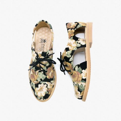 Slitz Cutout Oxford
